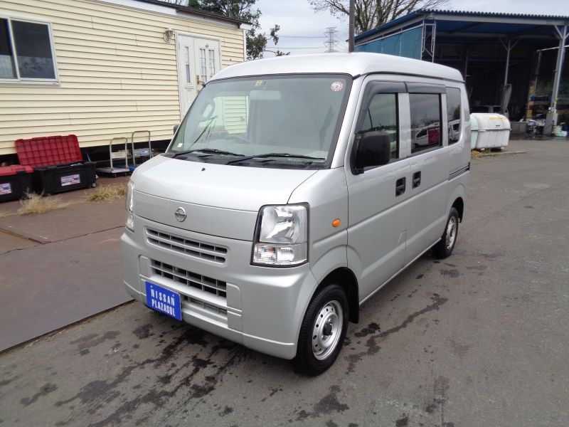 NISSAN NV100 CLIPPER 2014/10 DR64V-804545