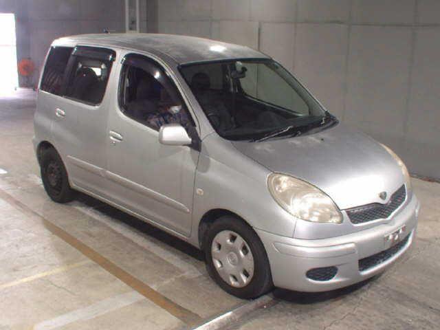 TOYOTA FUNCARGO 2003/05 156972